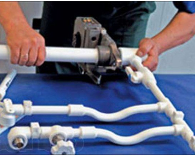 Монтаж пластиковых водопроводных труб